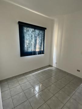 Apartamento em ótima localização próximo a Santa Casa com 34m² contendo sala, 01 dormitório com armário, cozinha planejada, banheiro social. 01 vaga de garagem.
