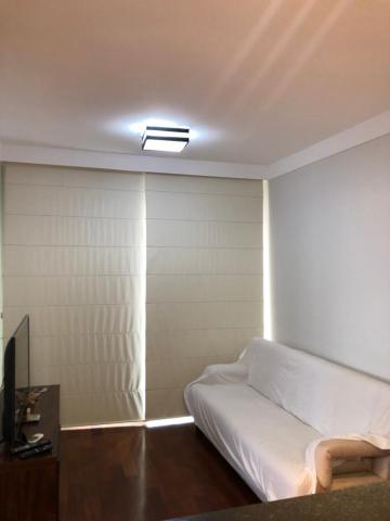 Apartamento em ótima localização na área central com 1 dormitório, banheiro social, sala com varanda, cozinha planejada e área de serviço. 1 Vaga de garagem. Não aceita Financiamento e FGTS.