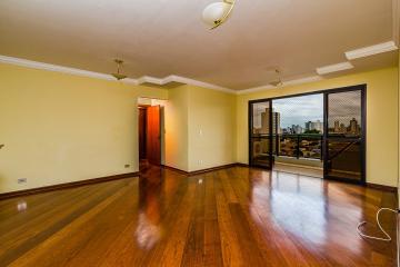 Ótimo apartamento com 3 dormitórios com armário sendo 1 suíte, ampla sala, lavabo, cozinha planejada, área de serviço. 2 vagas.