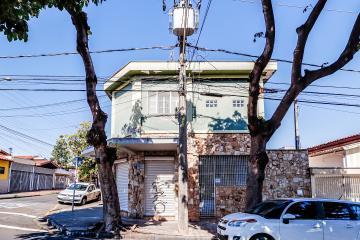 Excelente imóvel, localizado em dos corredores comerciais de grande fluxo na região do Bairro Alto, contendo 4 dormitórios, sendo 1 suíte e 2 closets, completos de armários, banheiro social do banheira, espaço gourmet com churrasqueira, banheiro externo e mais s 4 vagas de garagem.