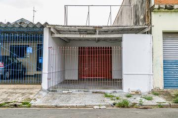 - Imóvel Comercial com 125 M² Paralelo Av Rio da Pedras; - Salão com 60 M² e Área dos Fundos coberta com 40 m² e 2 Banheiros.