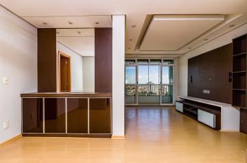 Excelente apartamento, em ótima localização, com 3 dormitórios, sendo 1 suíte, todos com armários, sala dois ambientes, lavabo, cozinha planejada, lavanderia com armários, sacada fechada com blindex, 2 vagas de garagem.