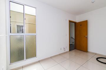 Excelente apartamento próximo ao supermercado Makro contendo 02 dormitórios, sala, cozinha americana com gabinete.01 vaga de garagem.Portaria 24 horas.