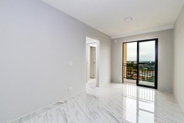 Apartamento em bairro tranquilo com 58m² contendo sala com sacada, cozinha planejada, 02 dormitórios sendo 01 suíte, banheiro social com gabinete e box. 02 vagas de garagem.