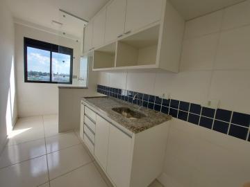 Apartamento em bairro tranquilo com 58m² contendo sala com sacada, cozinha planejada, 02 dormitórios com armários sendo 01 suíte, banheiro social com gabinete e box. 02 vagas de garagem.