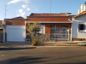 Casa no Bairro Alto recém reformada com 3 quartos sendo 1 com armário, sala, cozinha, lavanderia, área gourmet com churrasqueira com banheiro, garagem ampla para 6 carros.
