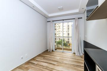 Lindo e completo apartamento localizado próximo do Pão de Açúcar, com 61,72m² possuí 02 dormitórios com armário embutido, sendo uma suíte com ar condicionado. Cozinha planejada, lavanderia com armário planejado, sala com varanda e 01 vaga de garagem.   Aceita financiamento.