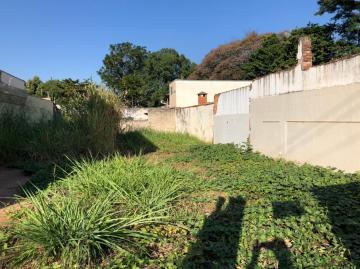 Terreno em ótima localização no Jardim Brasília com 125 m², totalmente plano (fechado). Aceita financiamento.