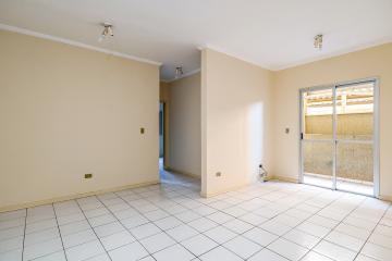 Apartamento com 74 m², com 2 dormitórios com armários, sendo 1 suíte com armários, banheiro da suite com gabinete, sala ampla para 2 ambientes, cozinha com armários, banheiro social com gabinete e box com vidro temperado, lavanderia, 02 vagas de garagem amplas. Aceita Financiamento e FGTS.