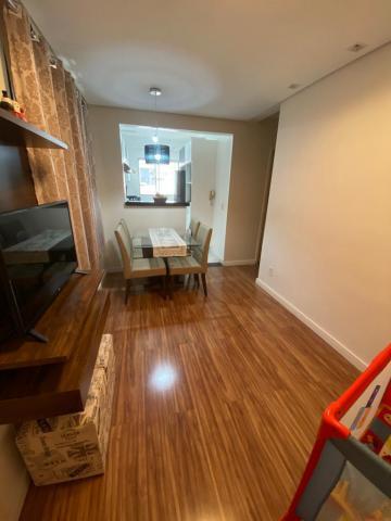 Lindo apartamento, proximo da loja Havan, com 46 m², 1 vaga de garagem, 2 dormitorios, 1 banheiro, cozinha americana e area de serviço anexa. Estuda financiamento.
