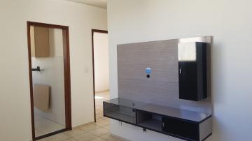 Apartamento em excelente localização contendo 02 dormitórios, sendo 01 com armário embutido, sala, banheiro social com box em vidro e gabinete, cozinha com gabinete e armário embutido, área de serviço, 01 vaga descoberta.