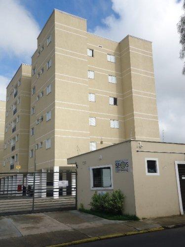 Apartamento com 63 m² de área útil, distribuído em sala 2 ambientes com sacada, 2 dormitórios, sendo 1 suíte, banheiro social com box em vidro temperado, cozinha planejada e área de serviço, 1 vaga coberta.